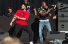 "Drake x Giggs Perform ""KMT"" Together At Reading Fest"
