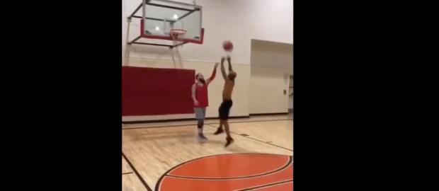 Tory Lanez Plays Basketball 1v1